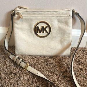 Michael Kors crows body purse